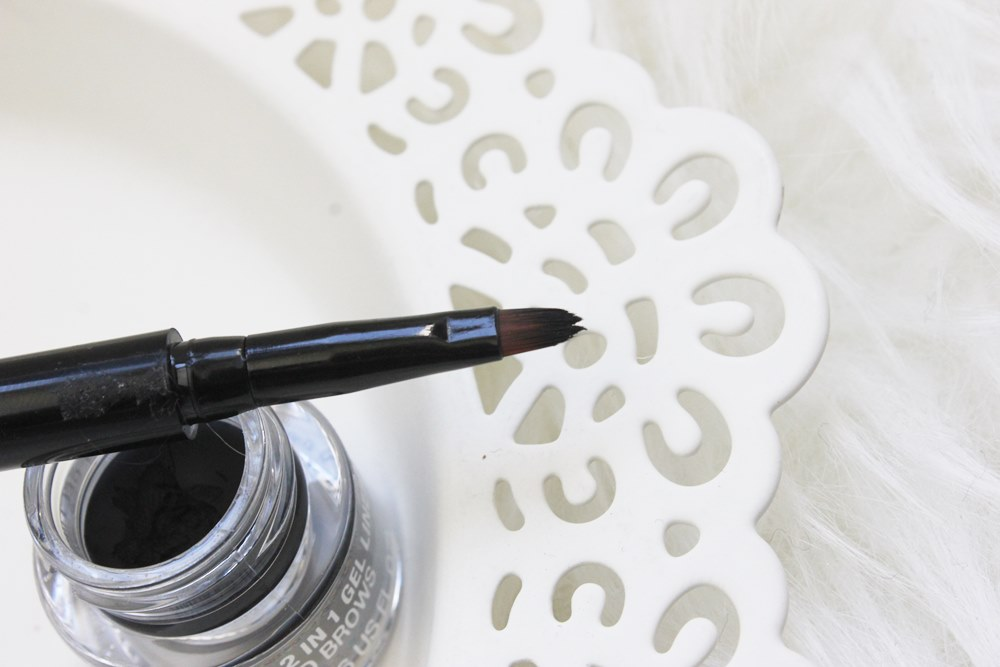 2-in-1 Smoky Gel Liner, The Body Shop