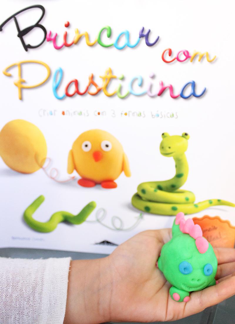 """Livro """"Brincar com Plasticina"""""""