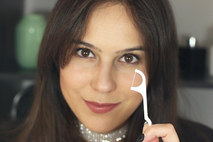 Truque Eyeliner com fio dental