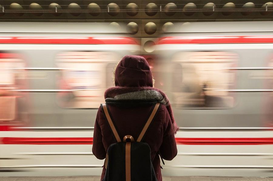 Andar de transportes públicos