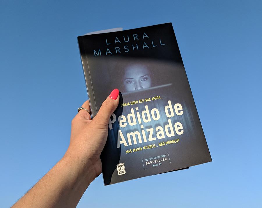 """Livro """"Pedido de Amizade"""""""