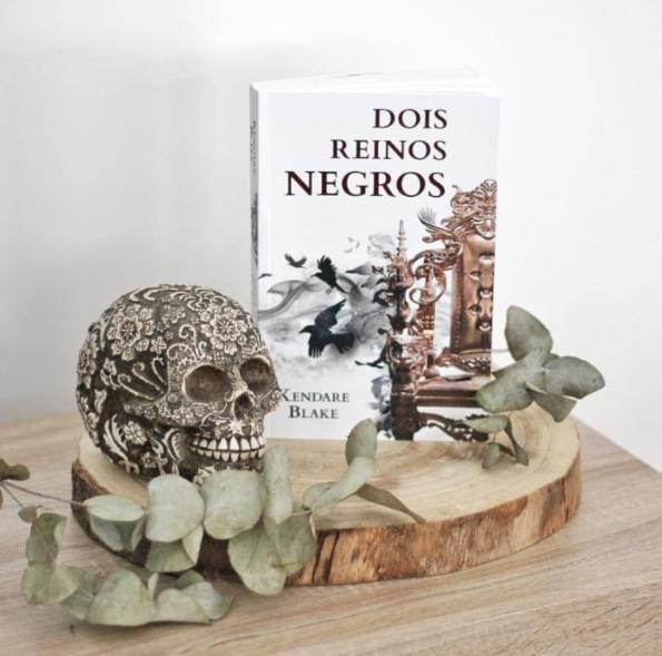 Livro Dois Reinos Negros